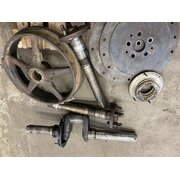 Engine/gearbox components d9506