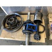 Crankshaft, connecting rod, piston, lubricator,...